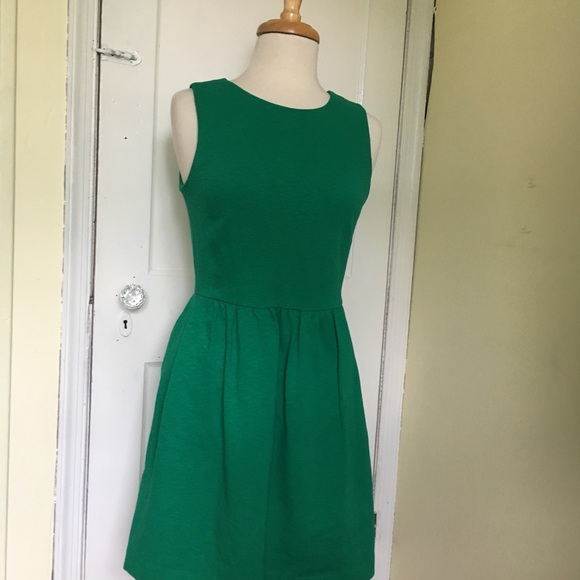 J. Crew Dresses & Skirts - J. Crew Emerald green dress